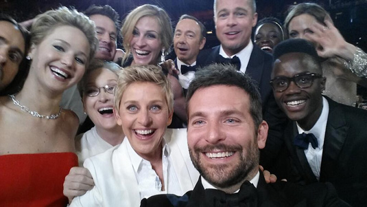 Ellen hosts the Oscars Selfie