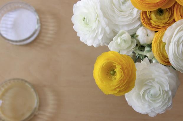 DIY Lip Scrub Sugar and Honey Flowers